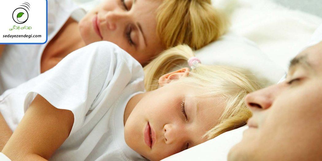 5 دلیل برای اینکه چرا باید محل خواب کودک را از والدین جدا کرد؟